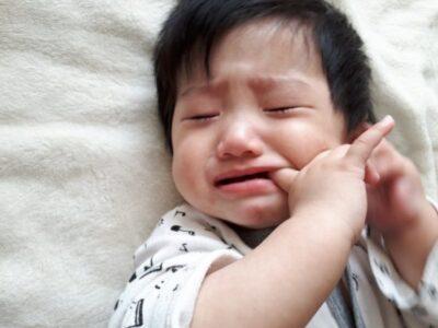 赤ちゃんが寝たときは授乳をやめたほうがいい?