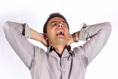 夜中に目がさめると体が熱い・男性でも更年期のような症状が?