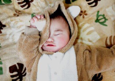 新生児に母乳の飲み過ぎってあるの?
