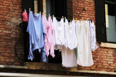 Yシャツは他のものと一緒に洗ってはいけない?